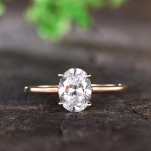 8mmx6mm Oval 1.5ct Moissanite Engagement Ring
