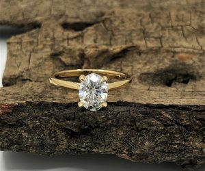7.5mm Oval Solitaire Moissanite Engagement Ring in 9ct Yellow Gold